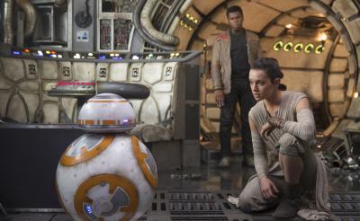 『スター・ウォーズ/フォースの覚醒』MovieNEX が5月4日に発売決定! 製作秘話が詰まったボーナス映像も一部解禁に