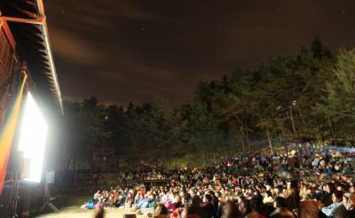 ロマンティックすぎる野外上映イベントが今年も開催! 『夜空と交差する森の映画祭2016』