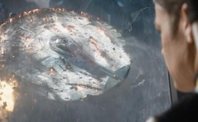 【独占映像】『スター・トレック BEYOND』エンタープライズ号が破壊! 監督「8歳から温めていたアイデア」