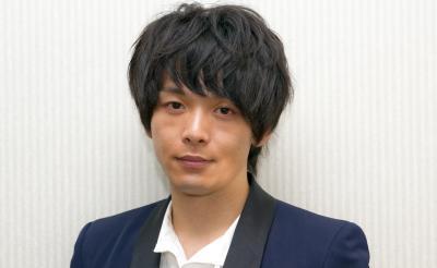 俳優・中村倫也インタビュー「女子の周りから固める恋愛作成は逆効果な気がします(笑)」