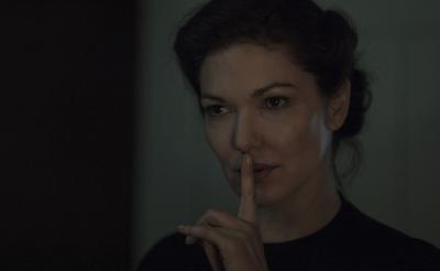 スペインホラー『インサイド』場面写真大量解禁 妊婦を襲う狂気の美女を『マルホランド~』女優が怪演[ホラー通信]
