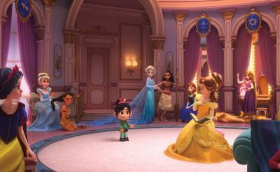 『白雪姫』や『アナ雪』歴代ディズニープリンセス大集合のレアショット!?『シュガー・ラッシュ』新作カット公開
