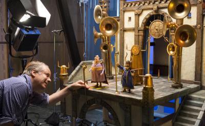 クレイアニメ映画ってどうやって作るの? アードマン最新作『アーリーマン』貴重なメイキング写真