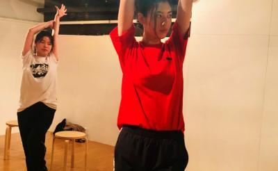 『ウォーターボーイズ』矢口史靖監督初のミュージカルコメディ『ダンスウィズミー』公開決定! ヒロインは三吉彩花