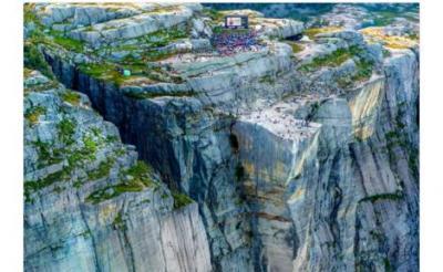 『ミッション:インポッシブル/フォールアウト』の上映会がロケ地ノルウェーの断崖絶壁で開催 トム・クルーズは不参加