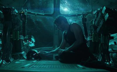 """シールドがキャップの元へ! 何かを作るアイアンマン&ネビュラ……全て""""未公開""""の『アベンジャーズ/エンドゲーム』新映像"""