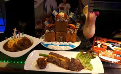 大迫力の城ハニトー&100人斬りカレー 「ベルセルク×パセラ」のコラボメニューを食べてみた!