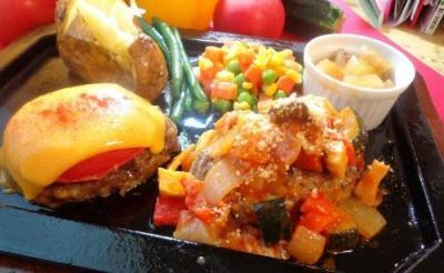 野菜たっぷり&デザート付き! 「ゴールドラッシュ」初の女性向けメニュー「コロンビアーナ ハンバーグセット」