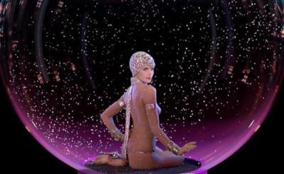 女だってヌードが好き!ダンサーたちの魅惑のボディにうっとりの『ファイアbyルブタン』
