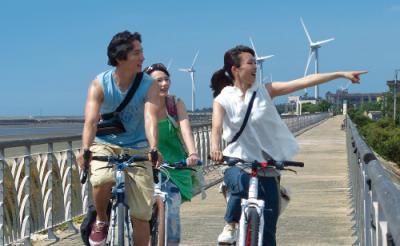お疲れ女子必見! 台湾の空と風が心を癒すサイクリング・ロードムービー『南風』