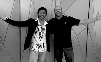 笑顔がまぶしい! トニー・ジャー&ステイサム2大アクションスターが『ワイルドスピード』最新作で初共演