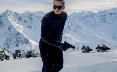 雪山でのカーチェイスも! 『007 スペクター』新場面写真が到着