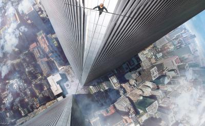 高所恐怖症はガクブル必至 地上411m命がけの綱渡りを体感できる映画『ザ・ウォーク』予告編