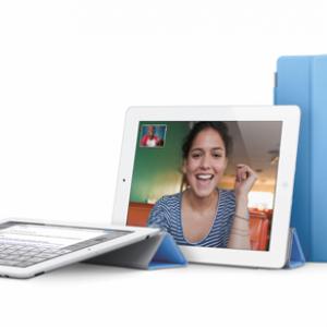 アップルが『iPad 2』を発表 『FaceTime』カメラを搭載し薄く軽くスピーディーに