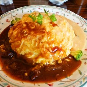 今、大阪のアメ村で一番キテるオムライスを食べてみた @『MUGUNI』(ムグニ)