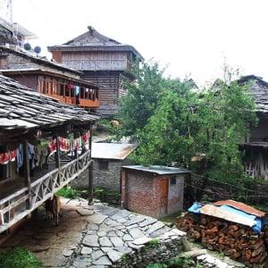 【世界の絶景】虹のかかる滝と温泉を楽しむ秘境ヒマラヤの村へ