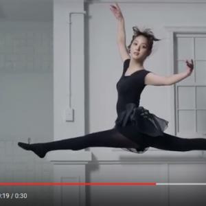 CG一切なし! 佐々木希の180度開脚ジャンプが美しすぎる! その整った身体の内側までさらけ出す!?