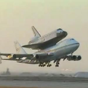 スペースシャトルはこんな風に運送していた! 驚くべき映像