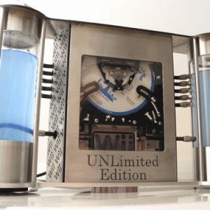 新しいWiiの実機写真キタ-! 世界に1台だけの水冷式Wiiでした