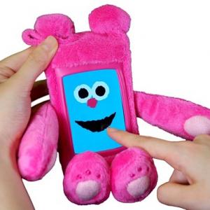 肉球アリ!? アプリで遊べる『iPhone』用着ぐるみケース『ジャケぐるみ くーた』