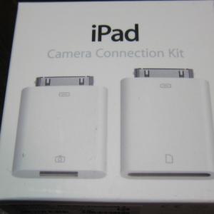 iPad2専用アクセサリー『カメラコネクションキット』 何故iPad2にはSDカードスロットとUSBが無いのか?