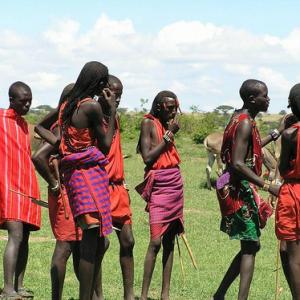 ケニアの先住民マサイ族 変わりつつあるその生活と裏事情