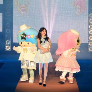 キキ&ララが「JILL by JILL STUART」デザインドレスで「GirlsAward」に登場![オタ女]