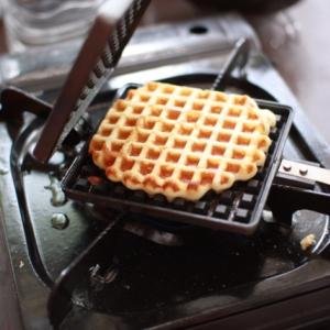【外おやつ】気軽にBBQやキャンプのおやつタイムを盛り上げる「ワッフルトースター」を試しました