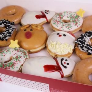 今年はケーキじゃなくてドーナツはいかが? クリスピークリームドーナツからクリスマス限定商品発売!