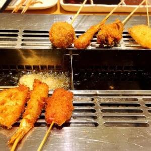 自分で揚げる串カツがメッチャ楽しい! しかも食べ放題! 『串家物語』に行ってきた