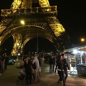 【パリ】観光客が戻りつつあるエッフェル塔【ひろゆき】