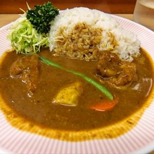 リッチなカレーの『アサノ』でリッチなチキンカレーを食す @『アサノ』東京都町田市