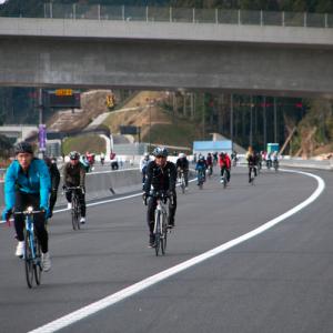 【動画アリ】高速道路を自転車で走れる! 『新東名開通前記念 東三河 新城 FUN!FUN!サイクリング』