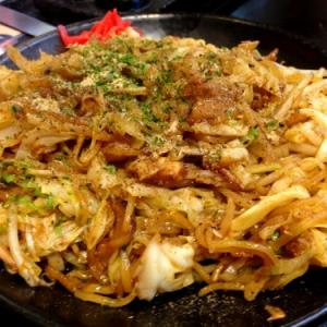 【B級グルメ】富士宮市民が絶賛する最強の富士宮やきそばを食べてきた! 感動のウマさ!