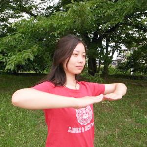 【ピポトレ】たった2分で腰痛を解消 強くしなやかな腰を作るトレーニング