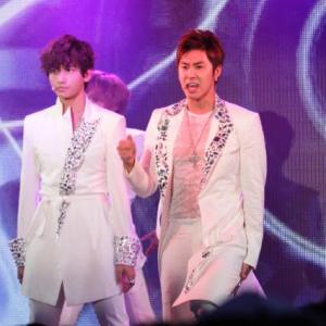 「ニコファーレ」オープニングイベントで東方神起、AKB48がライブ ネットとの相乗効果が生まれる