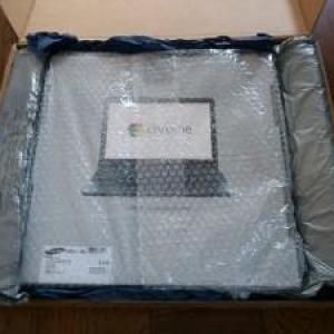 話題の新OS搭載ノートパソコン『Google Chromebook』を個人輸入してみた
