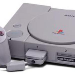 発売から半年で1万円も値下げしたゲーム機は3DSだけじゃなかった! そのゲーム機とは?