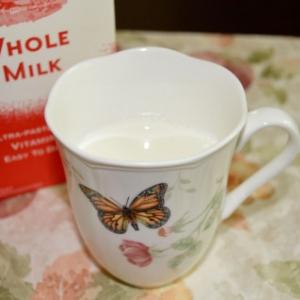 牛乳を飲み過ぎると骨折しやすくなるのか? 疫学的統計のトリック