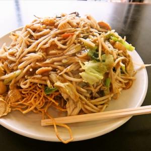 【デカ盛り】アナログな中華料理屋さんで『超特大かた焼きそば』を食す! @『長城飯店』町田
