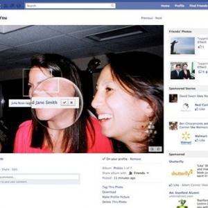 Facebookがプライバシー設定を見直し プロフィール&投稿の公開指定やタグ機能を改善