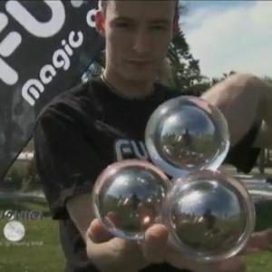 アメリカで350万個も売れる不思議なボール『FUSHIGI』が国内でも販売に! 全然不思議じゃない?