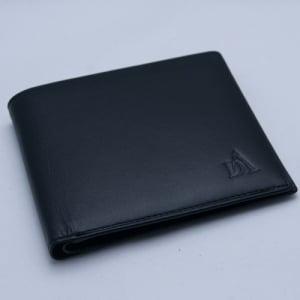 電子マネーは財布の外から盗まれる!  RFIDをブロックする財布で安心です