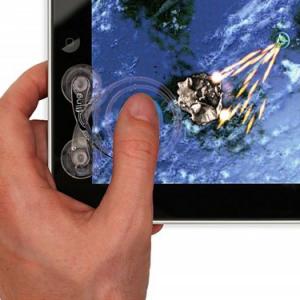 ゲーム数百種類に対応! グネグネ動く『iPad』用アナログスティックコントローラー『fling』