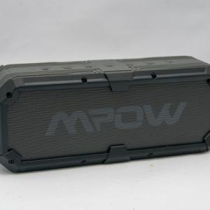 5200mAhのバッテリーを内蔵するBluetoothスピーカー スマホにも給電できて安心です