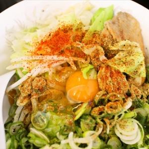 トムヤムクンなのにノーパクチー? 日本人向けの『トムヤムクンまぜ朗』を食す