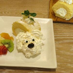 映画『ミラクル・ニール!』の登場犬がキュートなスイーツに「もふもふデニスのレモンロールケーキ」