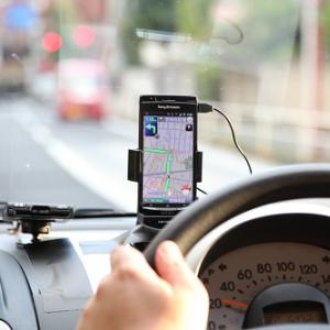 Androidスマートフォンがカーナビになるパイオニアの『ナビクレイドル』を実車レビュー