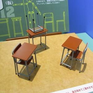 【全日本模型ホビーショー】学校の机とイスが1/12スケールのフィギュアになりました