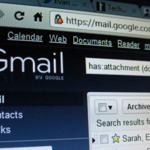 Gmailで複数の送信元アカウントを利用している方のためのiPhoneメール設定術